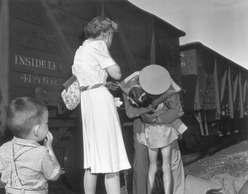 Buddy Bunker's Omaha World-Herald photo of the homecoming of Lt. Col. Robert Moore won a 1944 Pulitzer Prize. Moore was a cousin of children killed in the Villisca ax murders.