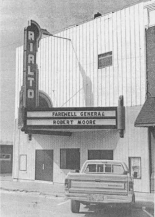 Villisca Rialto Theatre with farewell message to Robert Moore