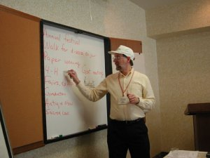 Leading my workshop on Making Routine Stories Special for the Canadian Newspaper Association in 2003. Photo by Bryan Cantley